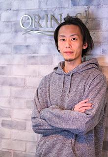 ORINASのスタイリスト前川雅人